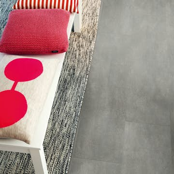 Vinylgolv Pergo Tile Dark Grey Concrete